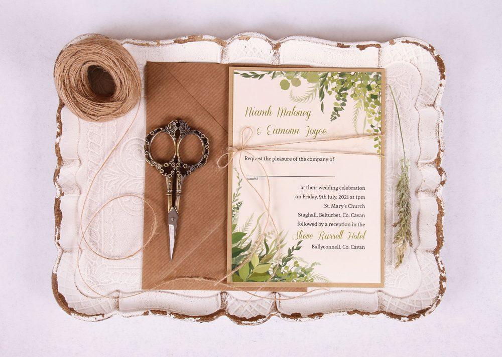 Kraft-Wedding-Invitation-with-Leaves-Nádúr